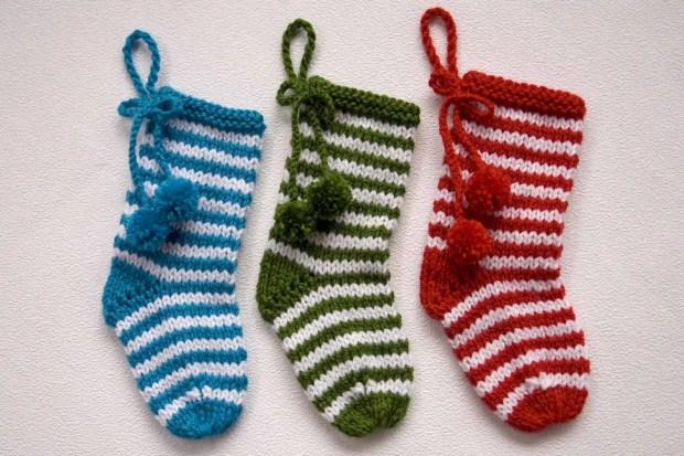 Cómo tejer un calcetín de Navidad con dos agujas