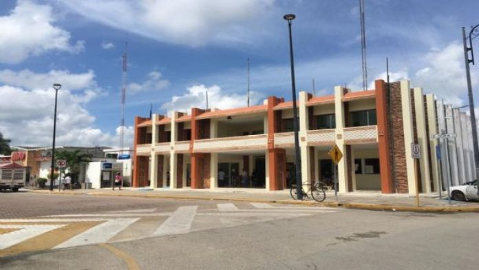 Denuncian que el Ayuntamiento de Felipe Carrillo Puerto adeuda quincena a  trabajadores   PorEsto