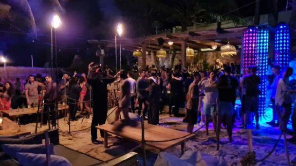 Cofepris clausura 60 fiestas clandestinas en destinos turísticos de Quintana  Roo | PorEsto