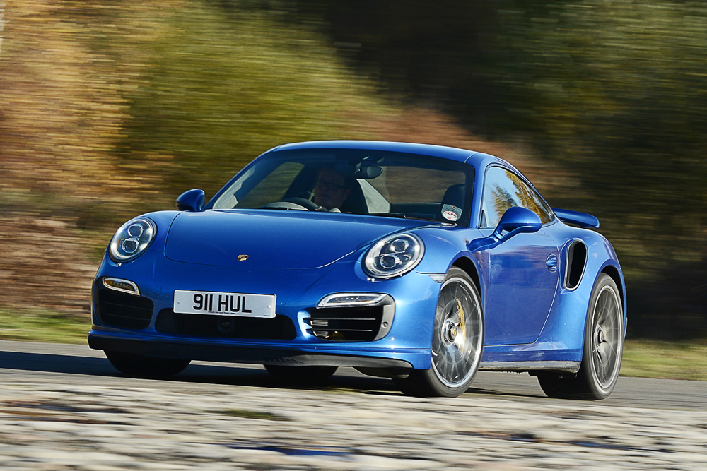 2015 porsche 911 turbo s vs formula 4 racecar por homme contemporary men 39 s lifestyle magazine. Black Bedroom Furniture Sets. Home Design Ideas