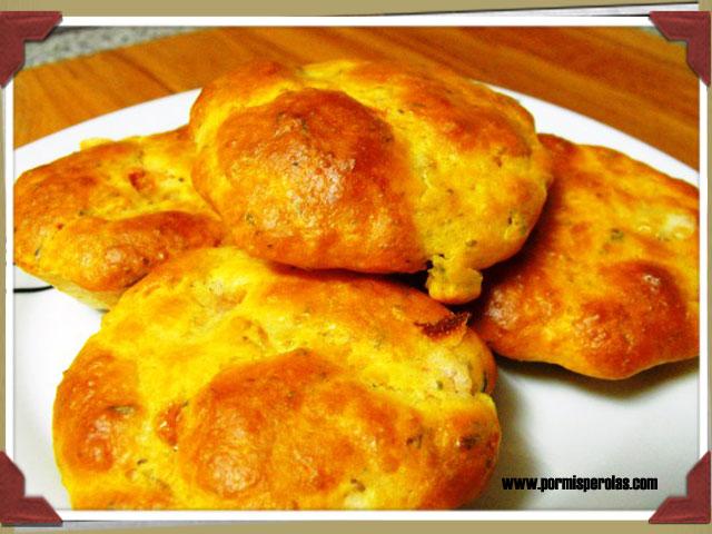 Muffins de queso Provolone con tomate
