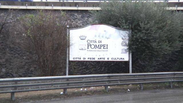 Bienvenus à Poméi, chez Luna, qui tient un restaurant touristique ! (vidéo exclusive)