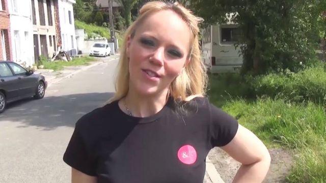 Loly nous invite chez elle en Belgique ! (vidéo exclusive)