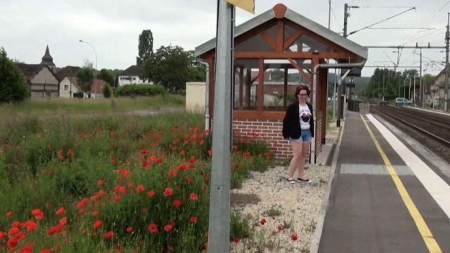 Sophie, la pucelle à gros nichons d'Orléans ! (vidéo exclusive)