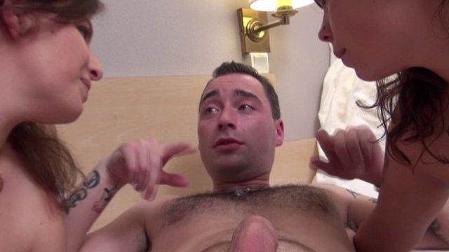 Vidéo porno d'un trio francais sexy et chaud