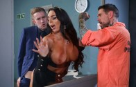 Detrás de la cortina – Julie Cash – Dirty Masseur – Brazzers