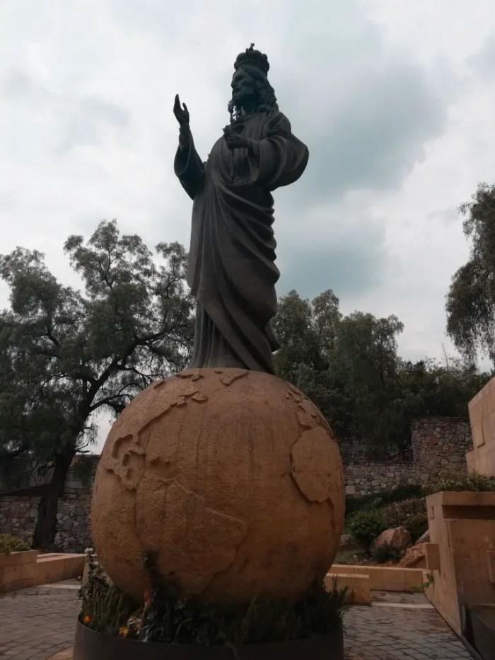 Estatua del Cristo Rey de la Basílica de la Virgen de Guadalupe.