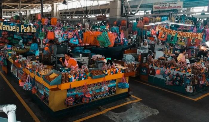 Mercado de la Basílica de la Virgen de Guadalupe.