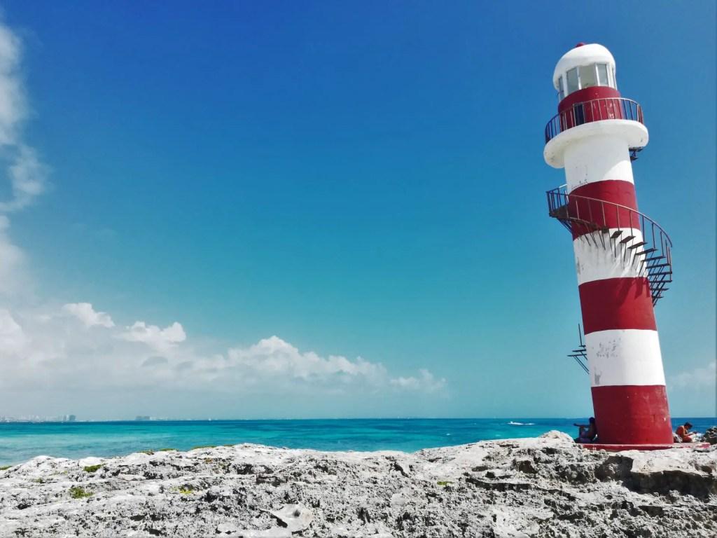 Faro de Punta Cancún.