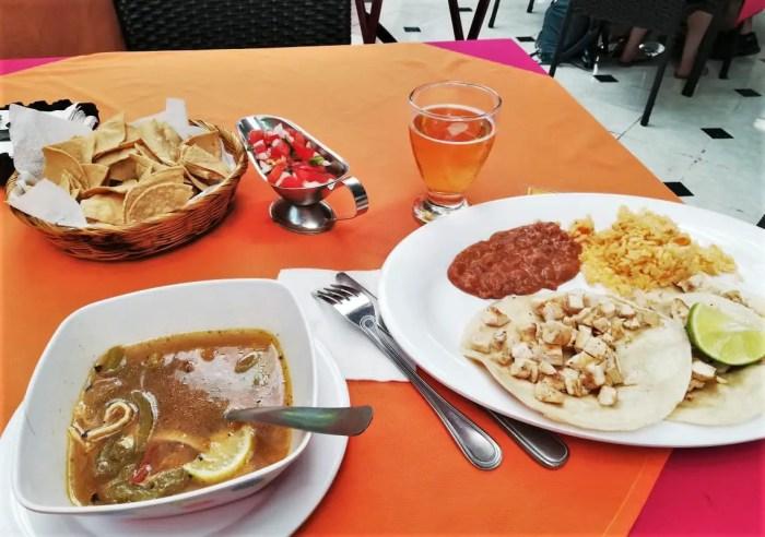 Almuerzo del tour Cozumel Pluss.