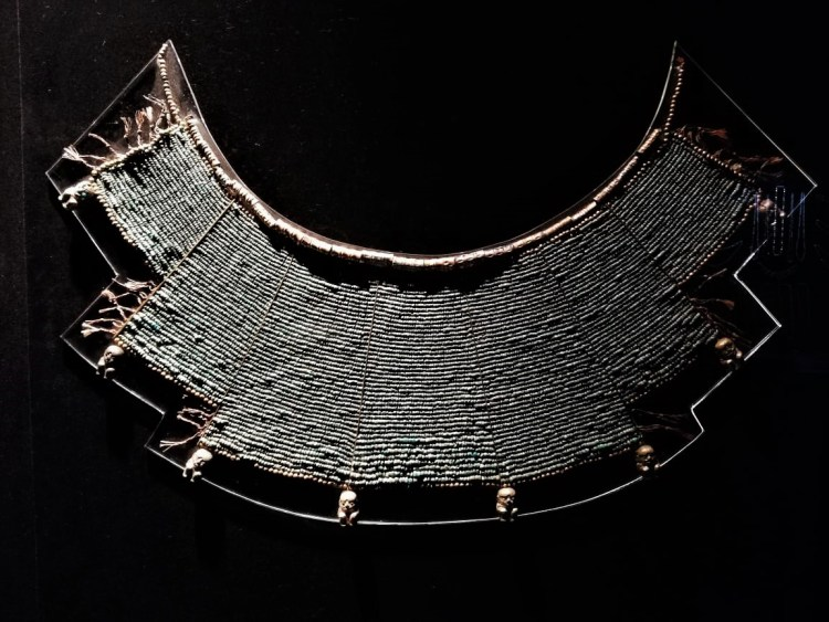 Pieza Museo Larco 3 collar