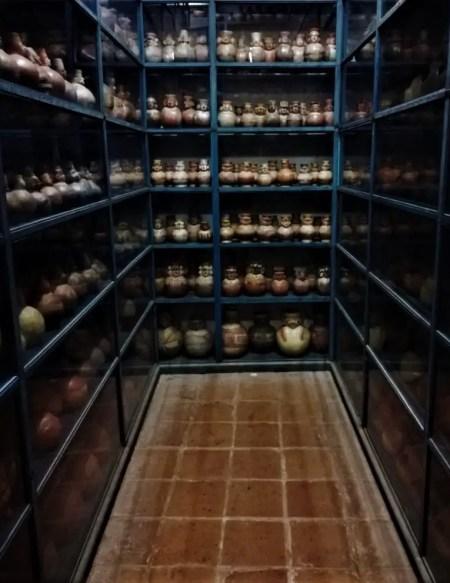 Sala de depósitos del Museo Larco.