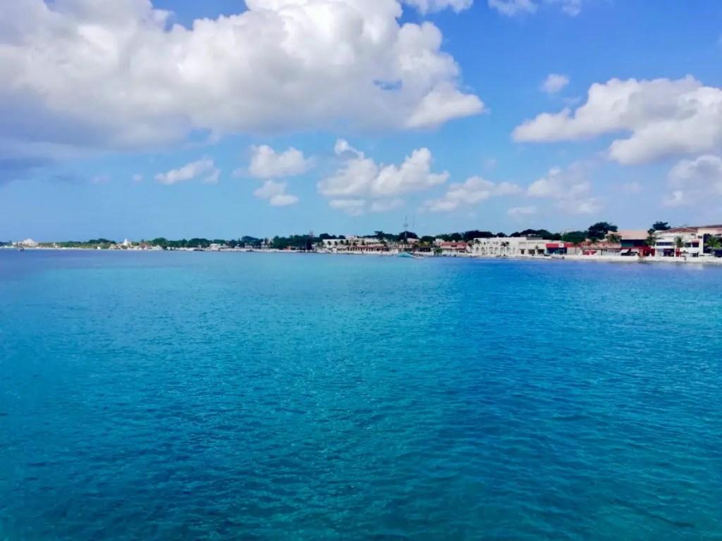 Vistas desde el Ferry a Cozumel.