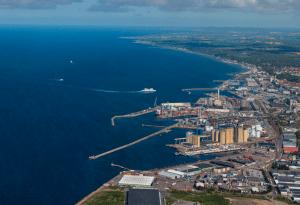 Hamnöversikt med Sydhamnen i fokus