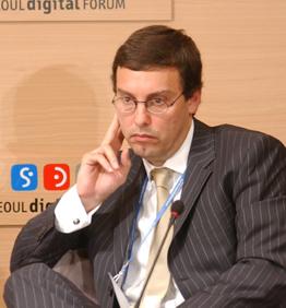 Alejandro Mondrzak, Corporate SVP & CEO of the Digital Business Unit at Grupo Clarin
