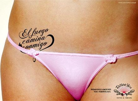 Publicidad de Tattoo Yes Studio Tatuaje femenino abajo del vientre .
