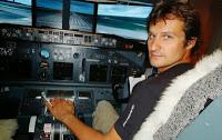 Un passionné construit un simulateur de Boeing 737 dans la chambre de ses enfants!