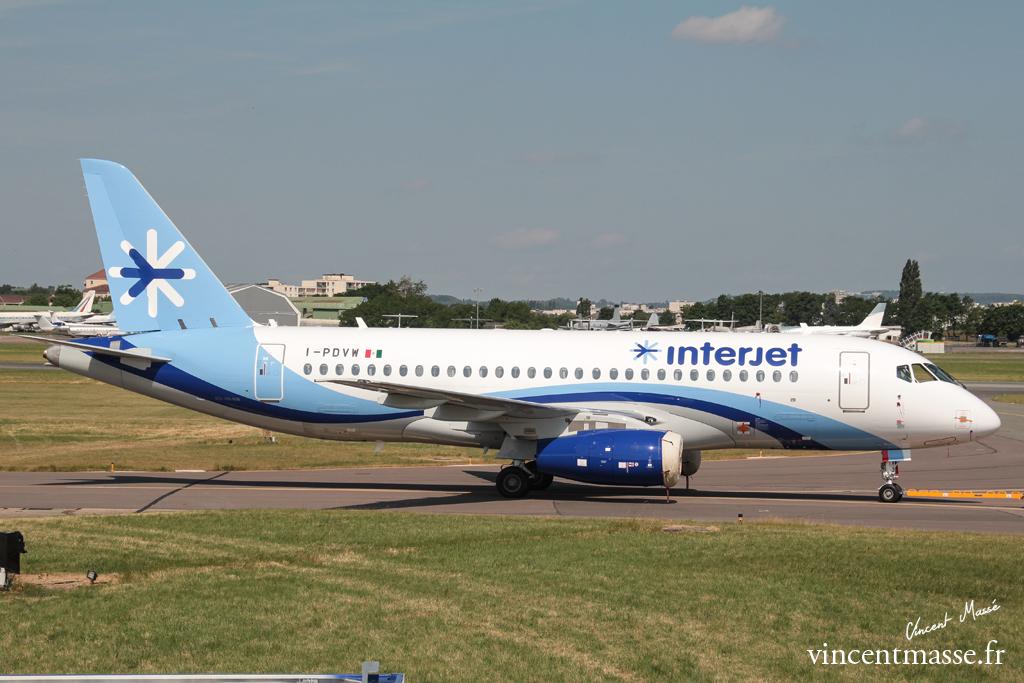 Sukhoï SSJ100 Superjet Interjet