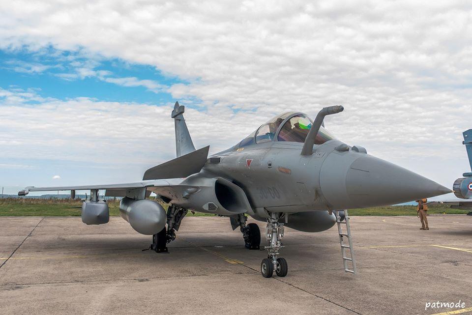 Dassault Aviation Rafale C n° 136  et codé 30-GO du Régiment de Chasse 2/30 Normandie Niemen, récemment reformé sur la BA 188 de Mont de Marsan, porteur de SCALP