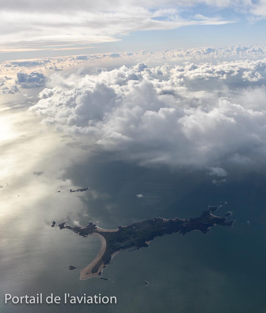 Nous survolons maintenant les iles Bretonnes