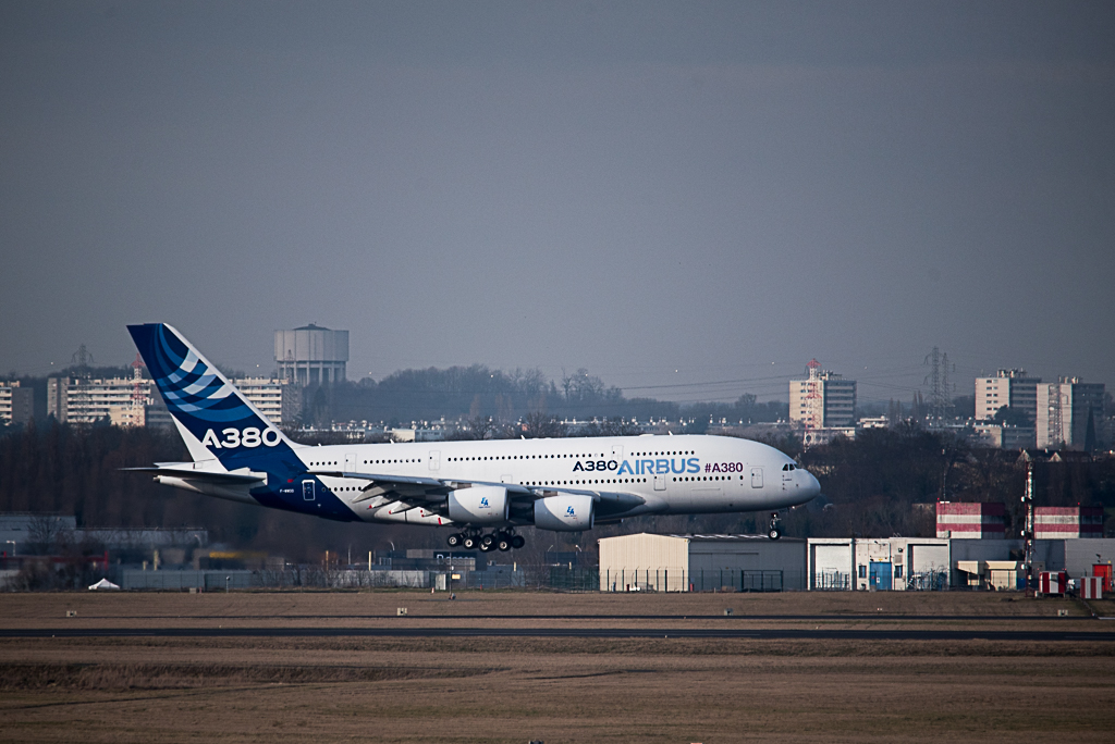 Dernier atterrissage pour l'A380 MSN4