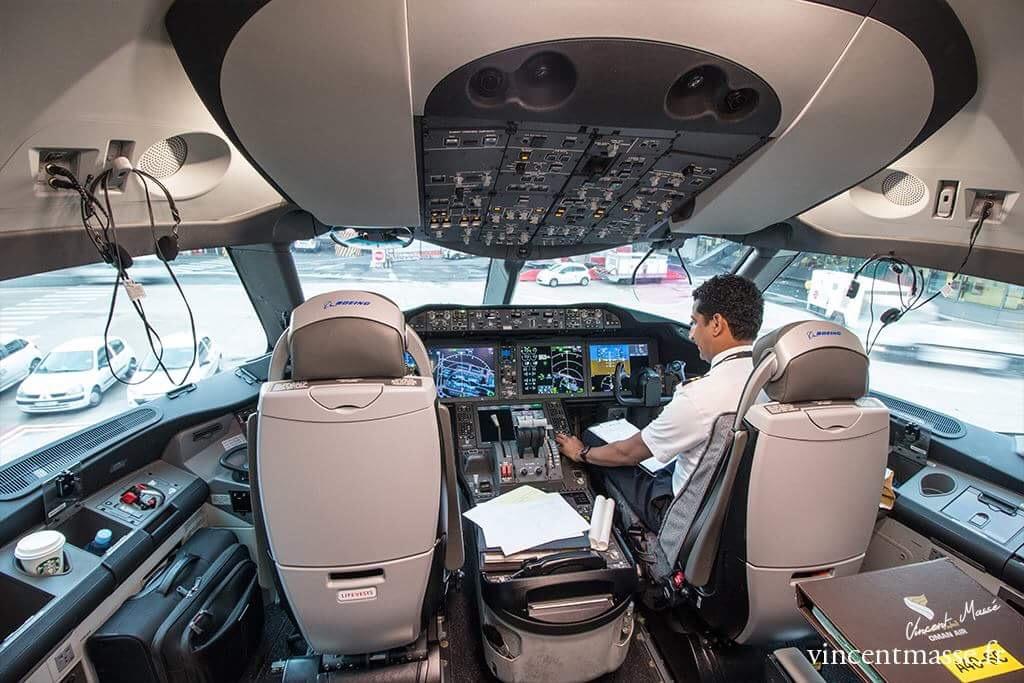 Avant le vol, nous avons pu accéder au cockpit du 787 d'Oman