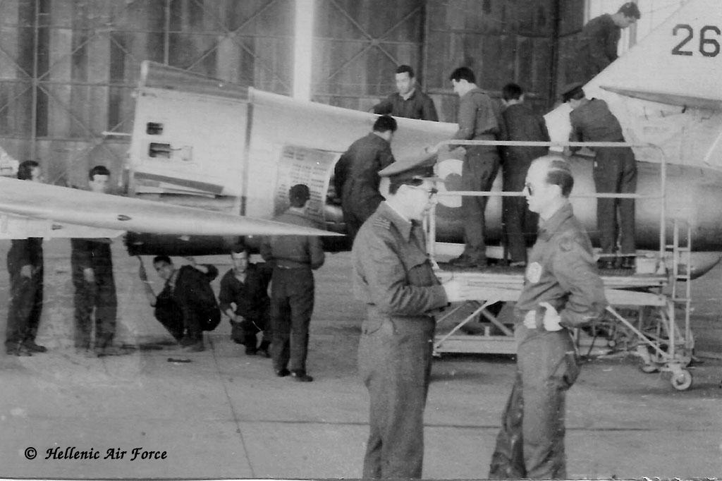 Maintenance sur RF-84F