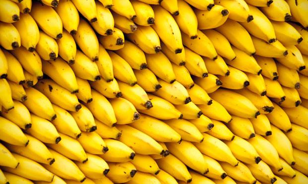 Banana: Oferece carboidratos, fibras e uma boa dose de vitamina B6.