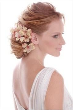 penteados de casamento com flores 6