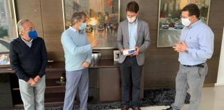 Grupo Iguatemi, marcou presença no gabinete do prefeito Rubens Furlan para doar testes rápidos para Covid-19 e cestas básicas.