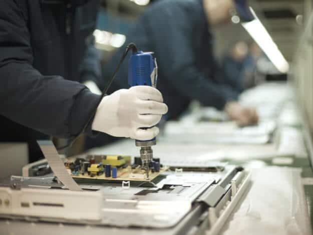 Produção de eletroeletrônicos cai 33% em em maio comparando com 2019