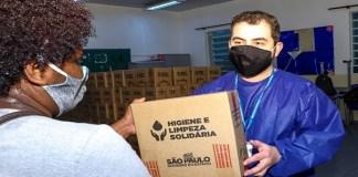 4ª etapa de distribuição do kit 'Higiene e Limpeza Solidária' é realizado em Carapicuíba