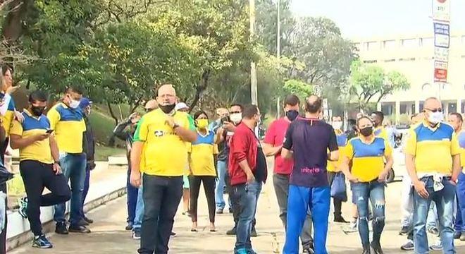 Funcionários dos Correios fazem protesto em São Paulo