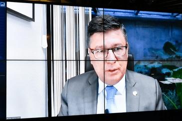 Inclusão de jornalista como microempreendedor individual segue para a Câmara. O senador Carlos Viana (PSD-MG) foi o relator da proposta do senador Veneziano Vital do Rêgo (MDB-PB).