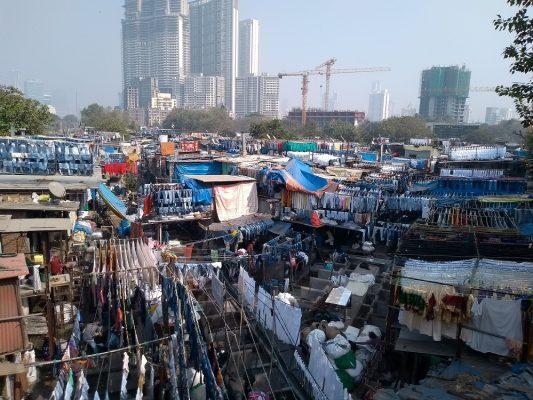 Dhobi-Gat-lavanderia-a-céu-aberto-em-Mumbai