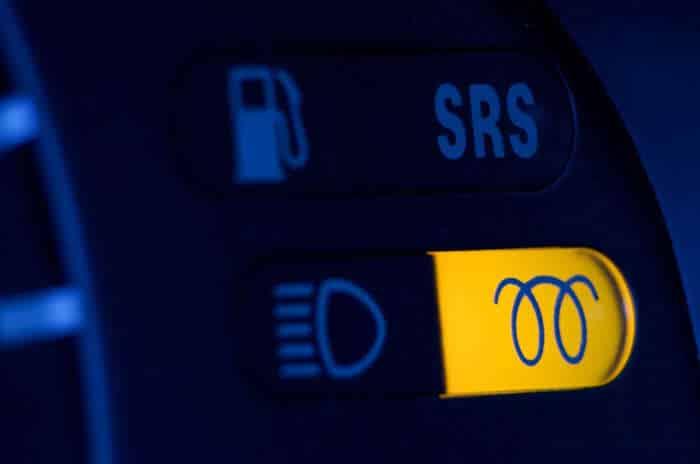10-29 O que significam as luzes de aviso no painel do carro?