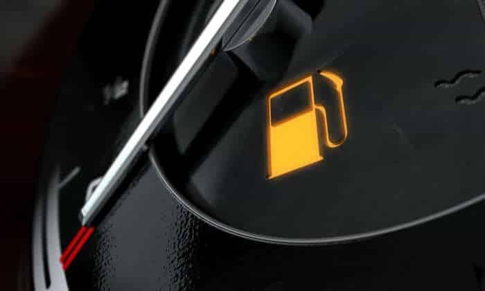 28-29 O que significam as luzes de aviso no painel do carro?