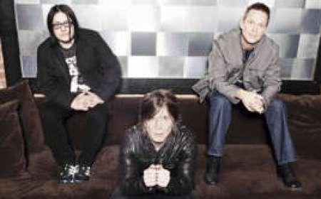 Goo Goo Dolls: baterista Mike Malinin (à dir.) foi demitido da banda no fim do ano