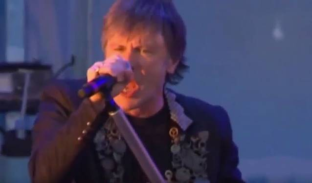 Iron Maiden: Bruce, volta ao trabalho mas segue em tratamento