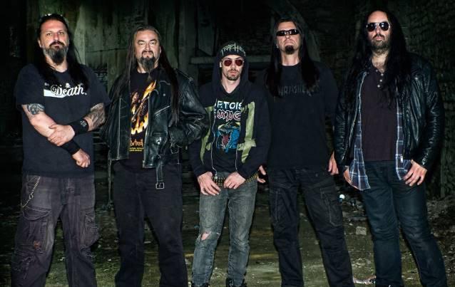 Onslaught: banda gravará novo DVD em turnê pelo Reino Unido