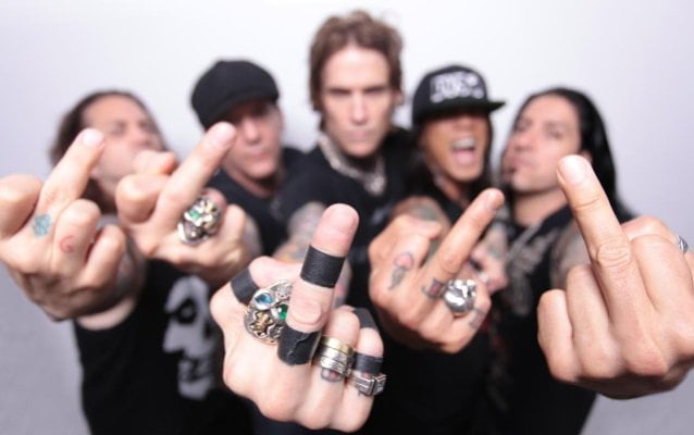 "Buckcherry: ouça o novo single do grupo, ""Say Fuck It"""