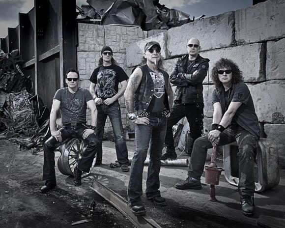 Accept: vocalista Mark Tornillo entrevista Rob Halford