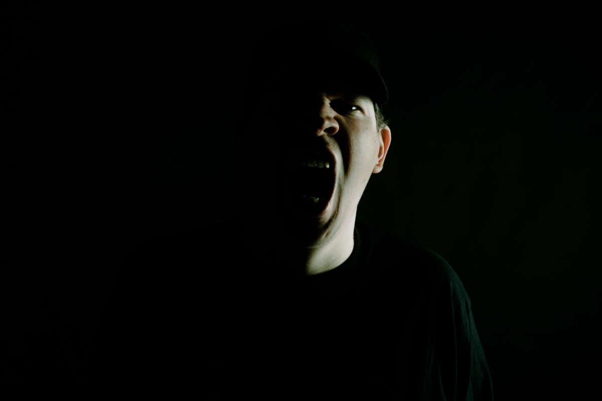 Conheça OMAGO, o novo projeto de Eduardo Jarry e umas das novas forças do Death Metal mundial.