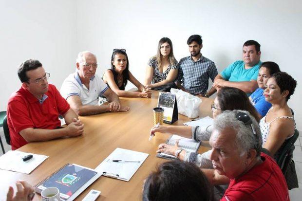Reunião Rede Hoteleira 1 620x413 - Prefeita Márcia Lucena recebe representantes da rede hoteleira de Conde e fala das ações de combate à Malária na região