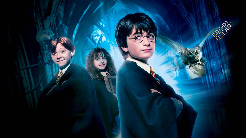 Harry Potter e a Pedra Filosofal ultrapassou a incrível marca de US$ 1 bilhão em bilheteria, depois do seu relançamento em uma versão 3D remasterizada em 4K, na China.