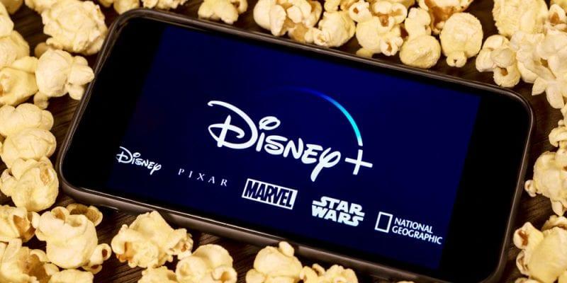 O Diretor Presidente da Disney, Bob Chapek, confirmou que a plataforma da Disney+ chegará à América Latina e no Brasil em novembro de 2020.