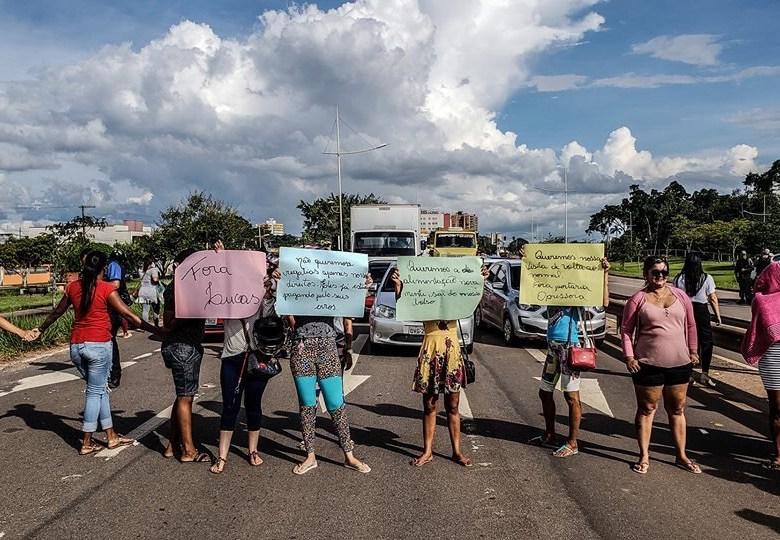 Familiares de presos bloqueiam BR-364 contra 'normatização' do Iapen