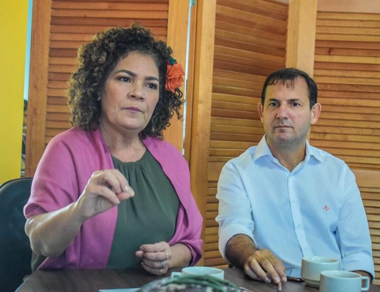 Perpétua Almeida diz que seis meses dos governos Bolsonaro e Gladson parecem fim de festa
