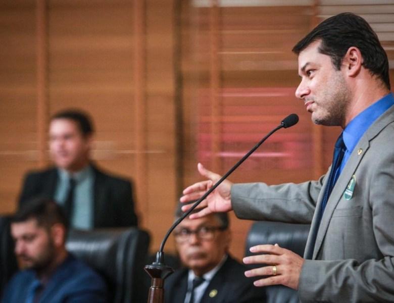 """""""Sempre soube que Duarte era inimigo do Gladson"""", diz mãe do governador"""