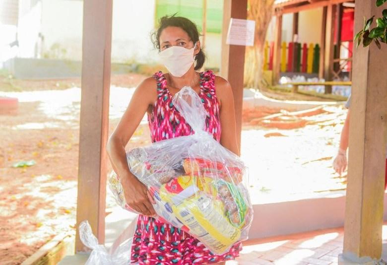 Prefeitura entregou cerca de 20 mil kits de merenda escolar à famílias de estudantes em situação de vulnerabilidade social